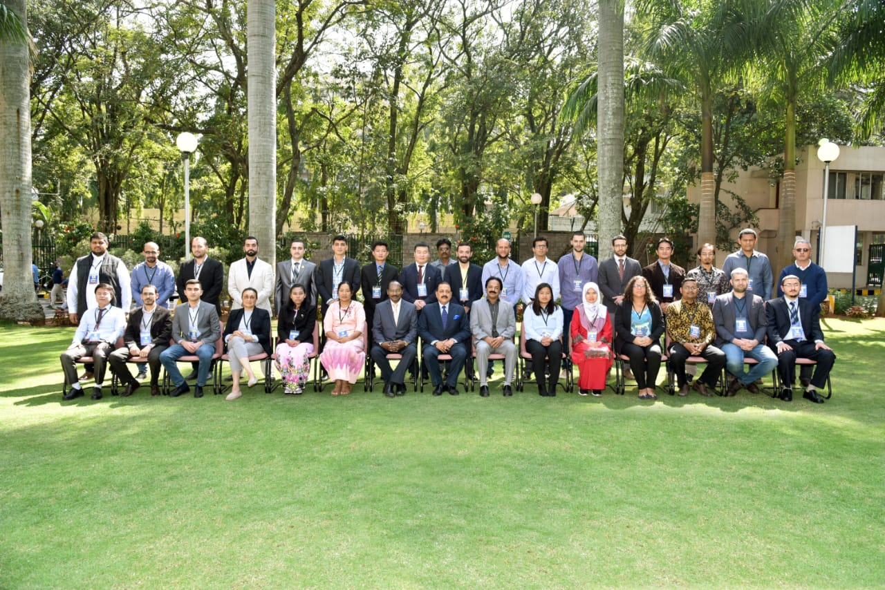 Participants of the programme with Hon'ble MoS(Space), Chairman, ISRO & Director, URSC