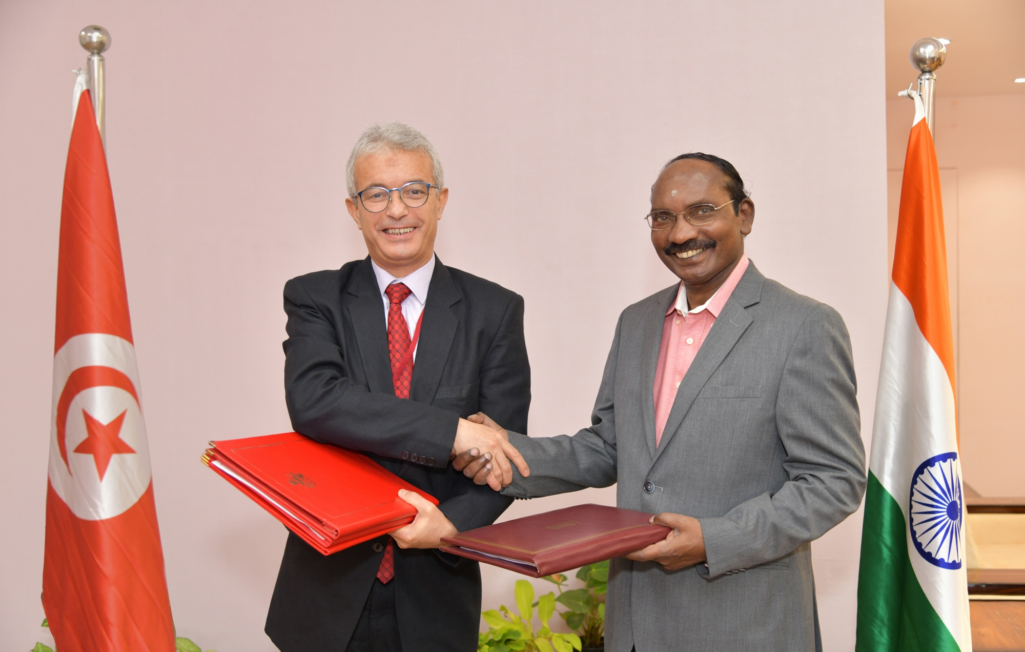 Space cooperation MoU Signed between India and Tunisia