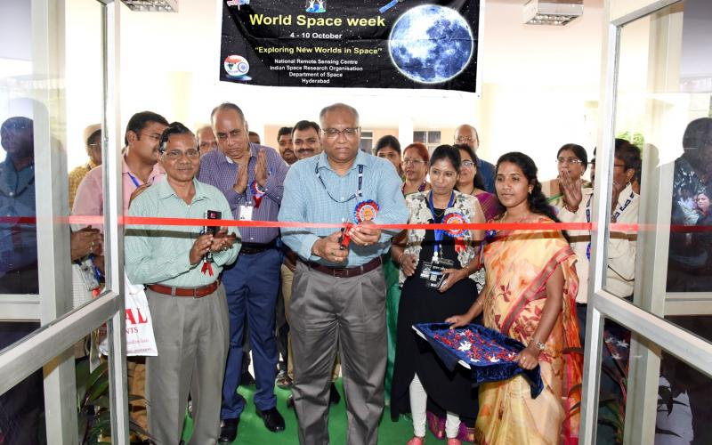 Director, NRSC inaugurating World Space Week exhibition at NRSC, Balanagar on Oct 4, 2017