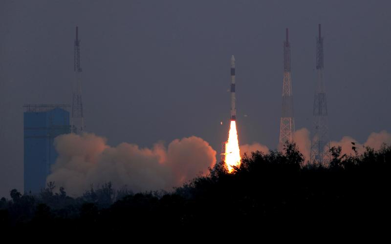 liftoff of PSLV-C43